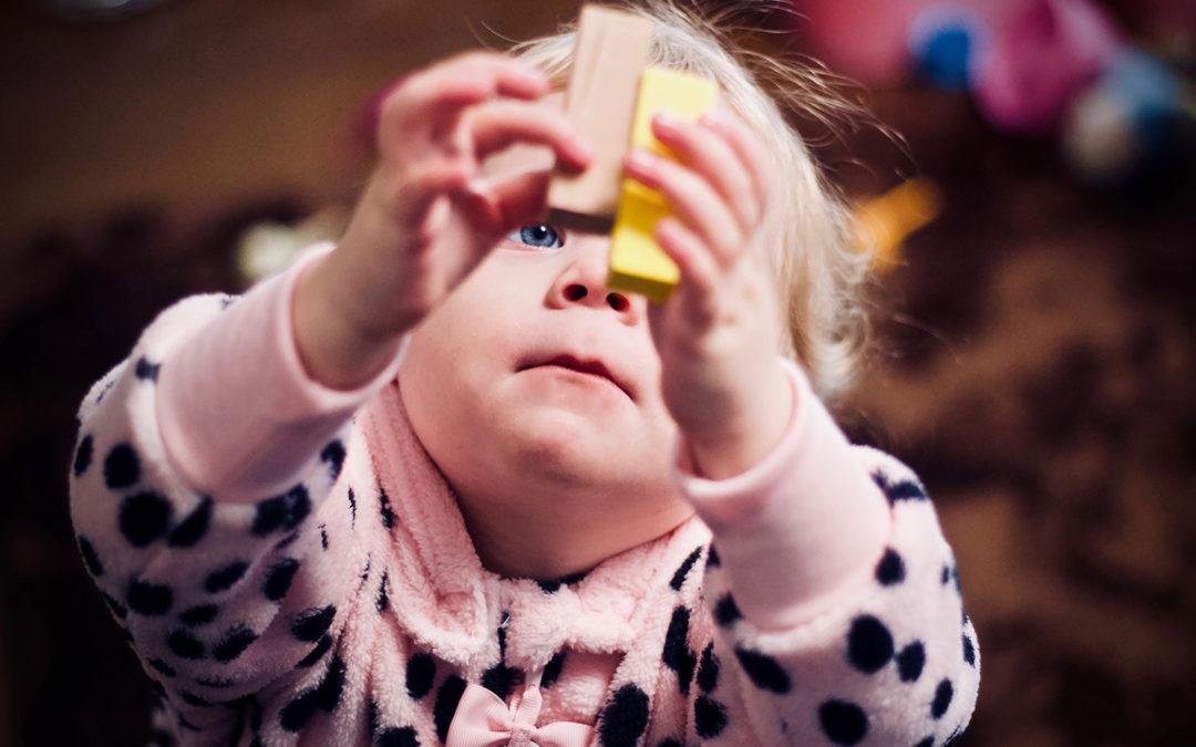 Przemyślane schowki – sposób na porządek w dziecięcym pokoju
